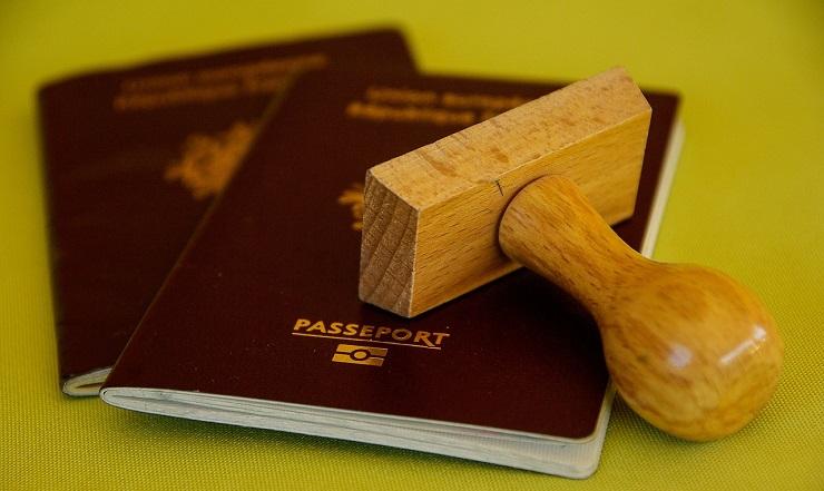 passport-expat-identity