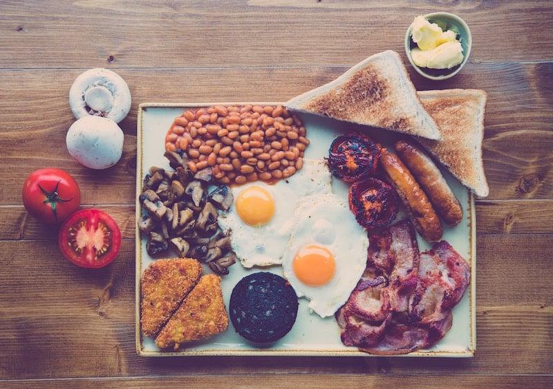 overhead shot of irish breakfast fry