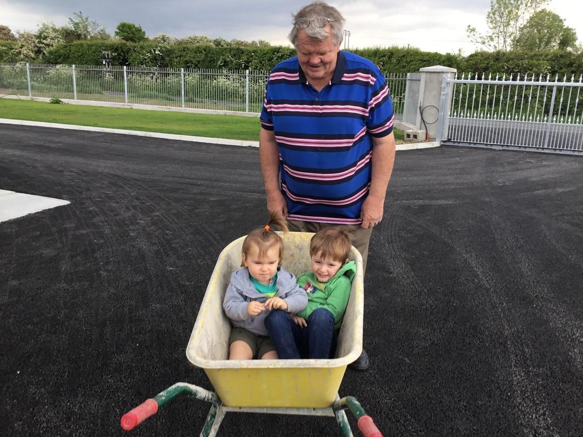 Wheelbarrow Come Home contest